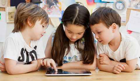 distrito escolar colegio niños iPad