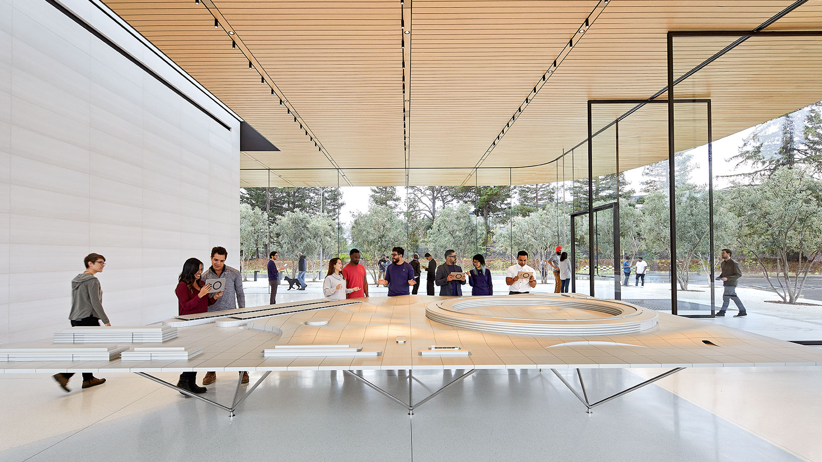 Maqueta dentro del Visitors Center del Apple Park