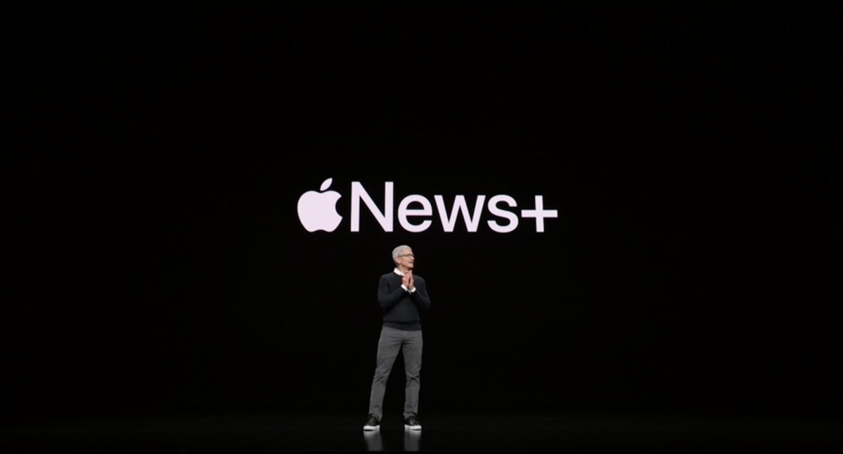 Tim Cook presentando Apple News+