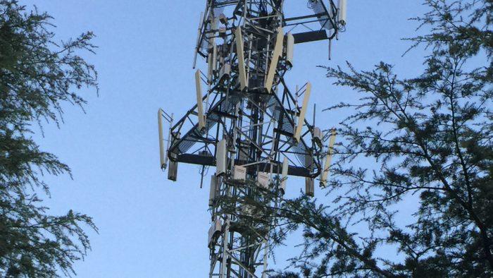 Antena de telefonía móvil